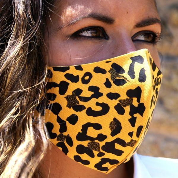 mascarilla amarilla leopardo negro glitter dorado 2